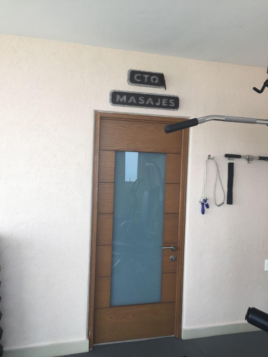 7 de 20: cuarto de masajes