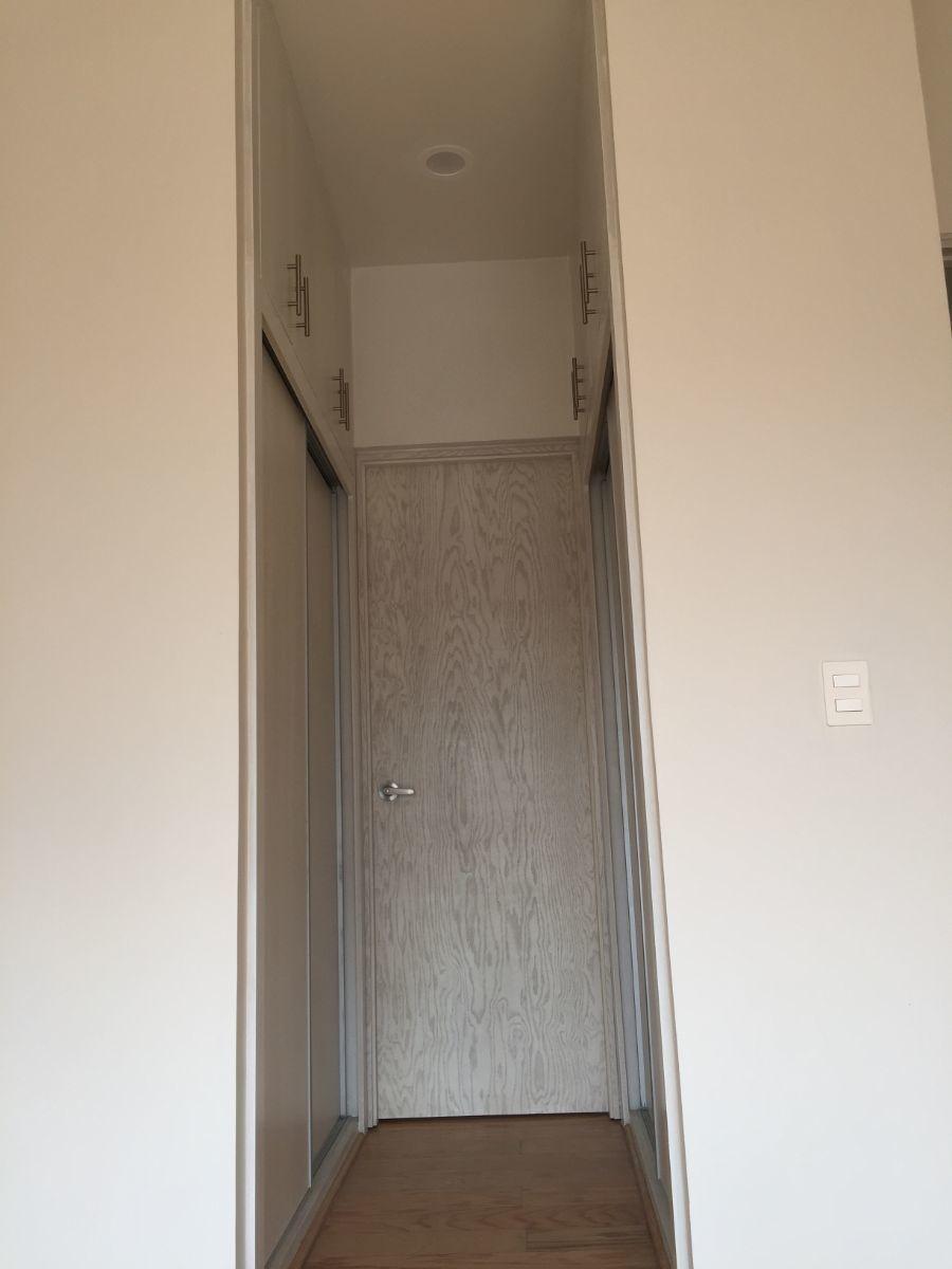 15 de 48: Closet