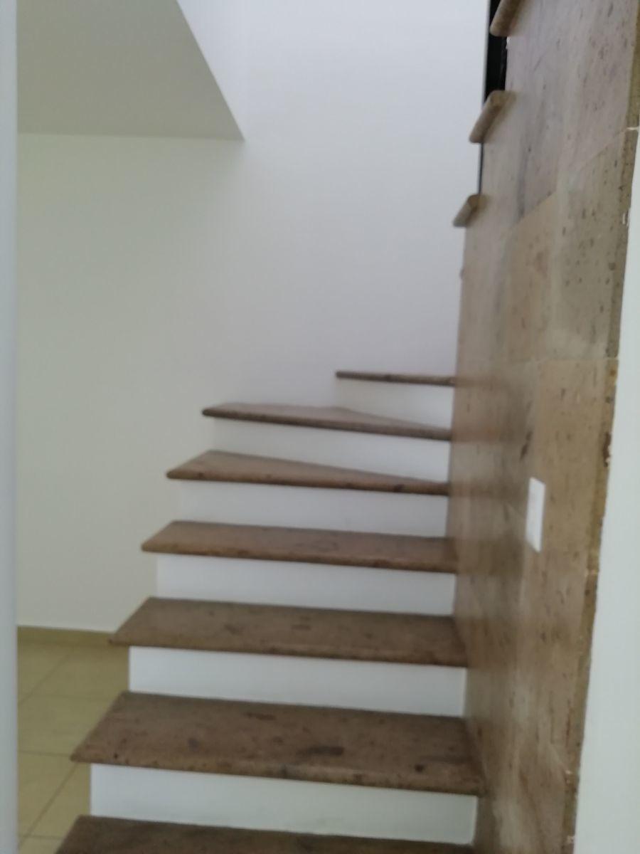 7 de 13: Escaleras