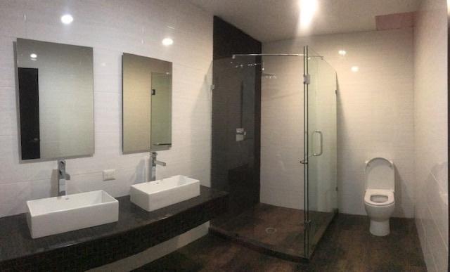 19 de 31: Baño habitación #2