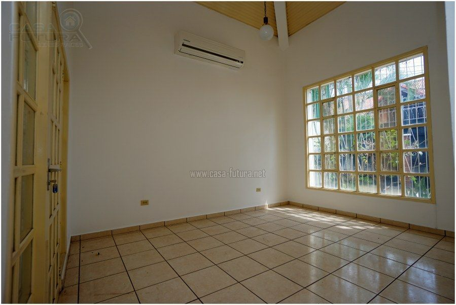 3 de 19: Sala con aire acondicionado
