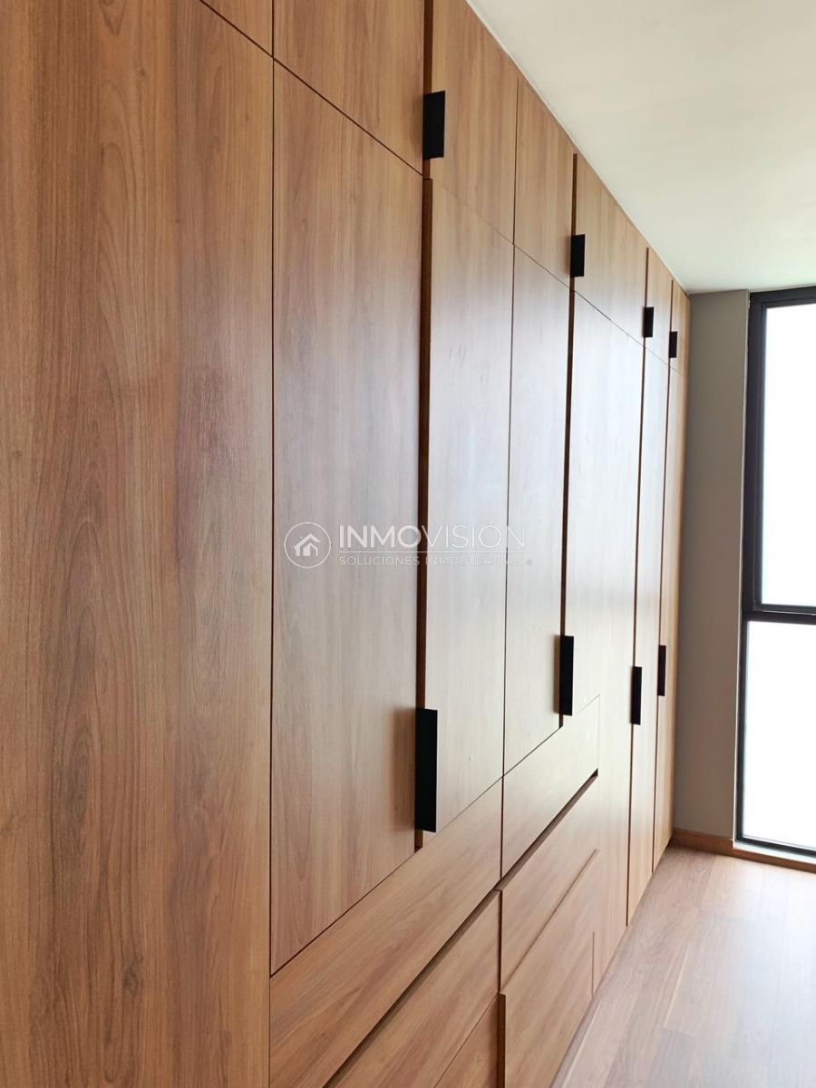 12 de 25: Acabados interiores en closets