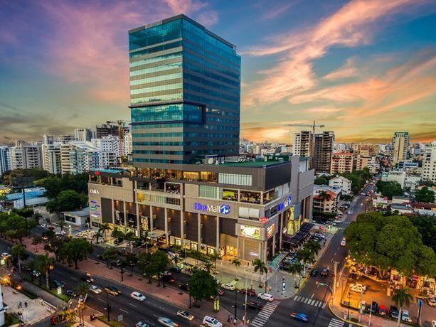 1 de 10: Vista aérea del complejo de negocios.
