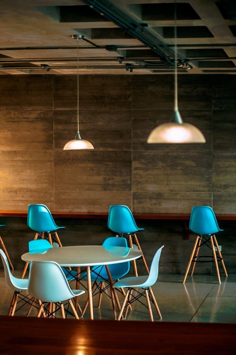 11 de 12: Cafetería