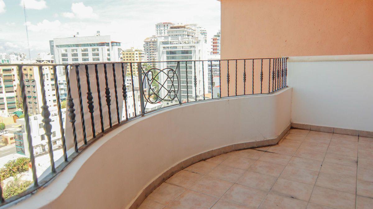 10 de 10: Balcón