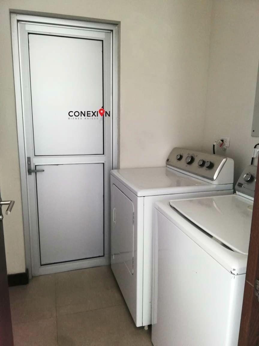18 de 20: Área de Lavado equipado con lavadora y secadora