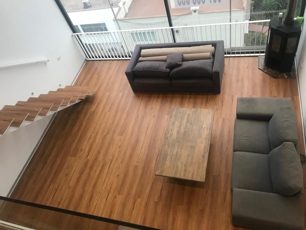 1 de 9: vista desde 2ndo piso a Sala