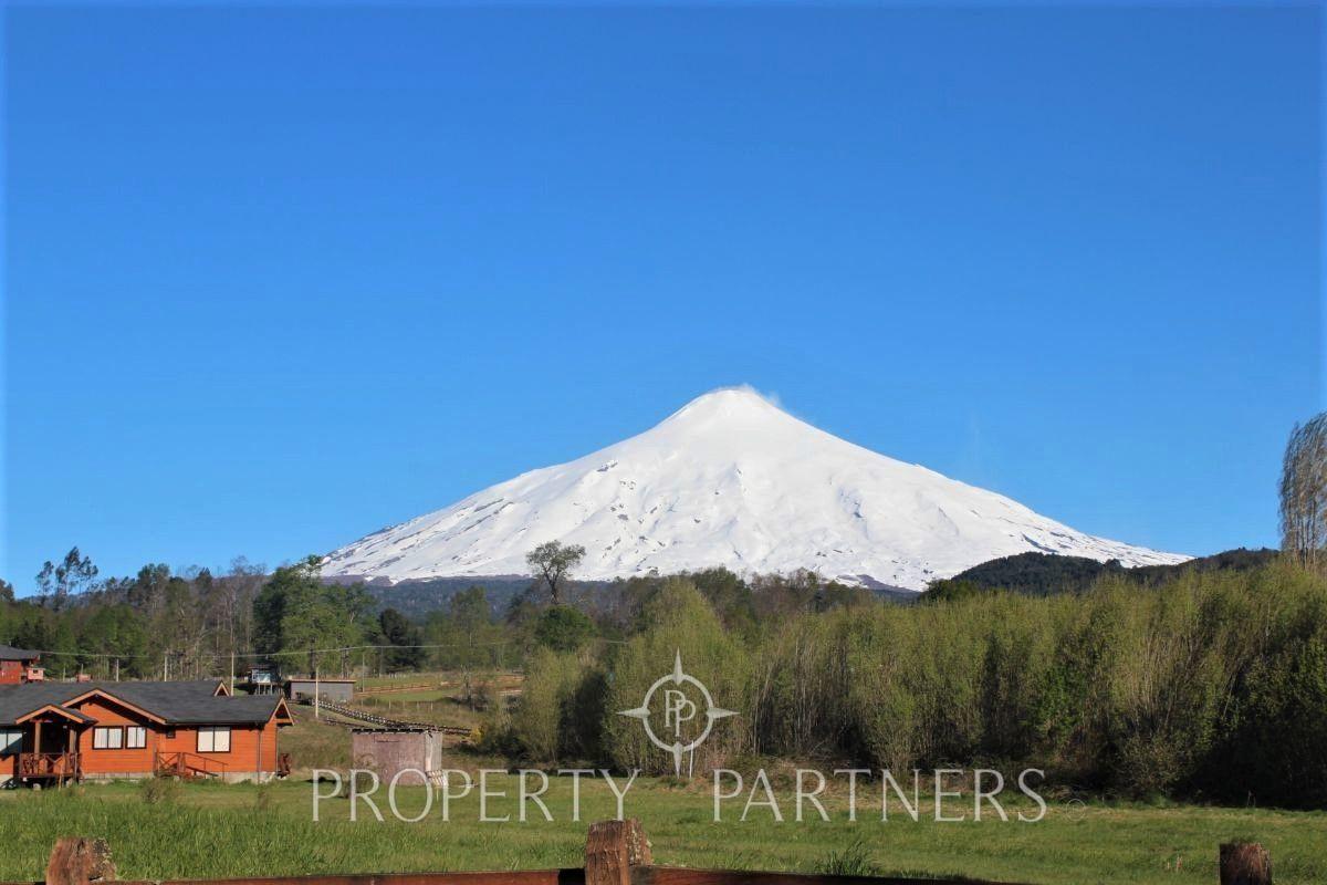 3 de 23: Vista al Volcán