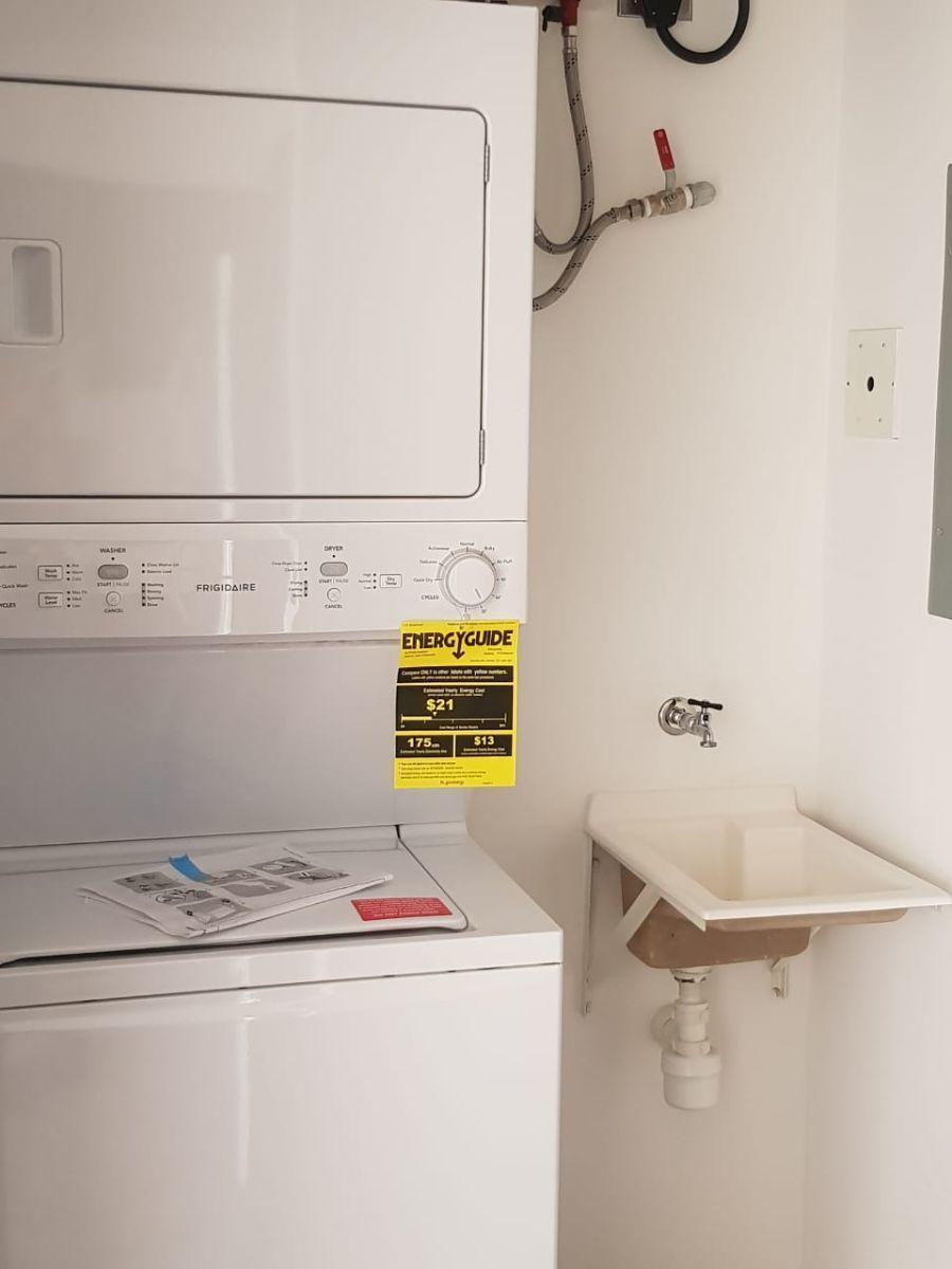 5 de 10: Area de lavadora y secadora