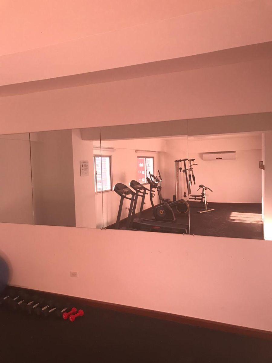 11 de 22: Gym area social