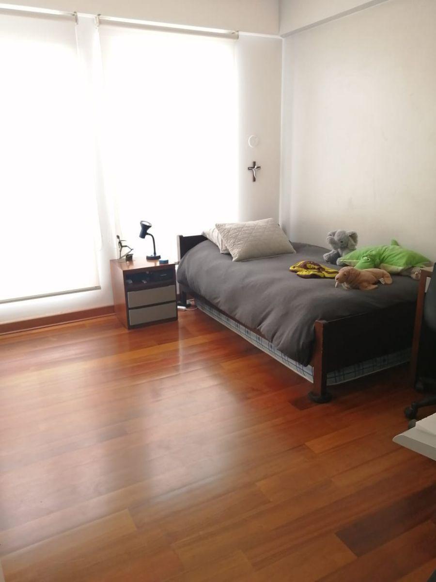 19 de 24: Dormitorio secundario