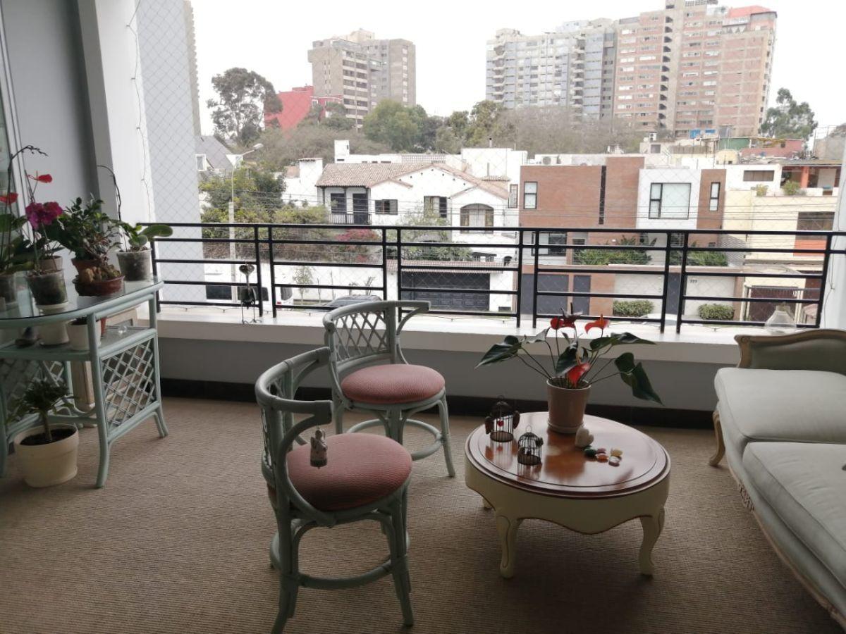 10 de 24: Linda terraza cuadrada