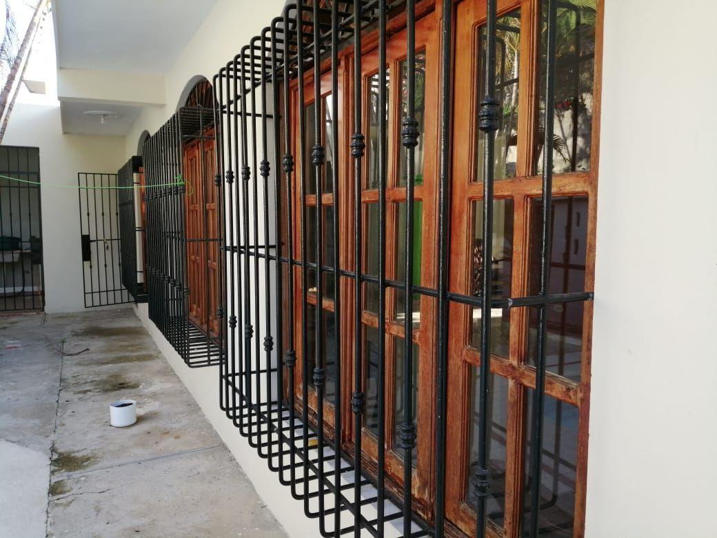 Amplia casa con Piscina en Urb. Abreuimage9