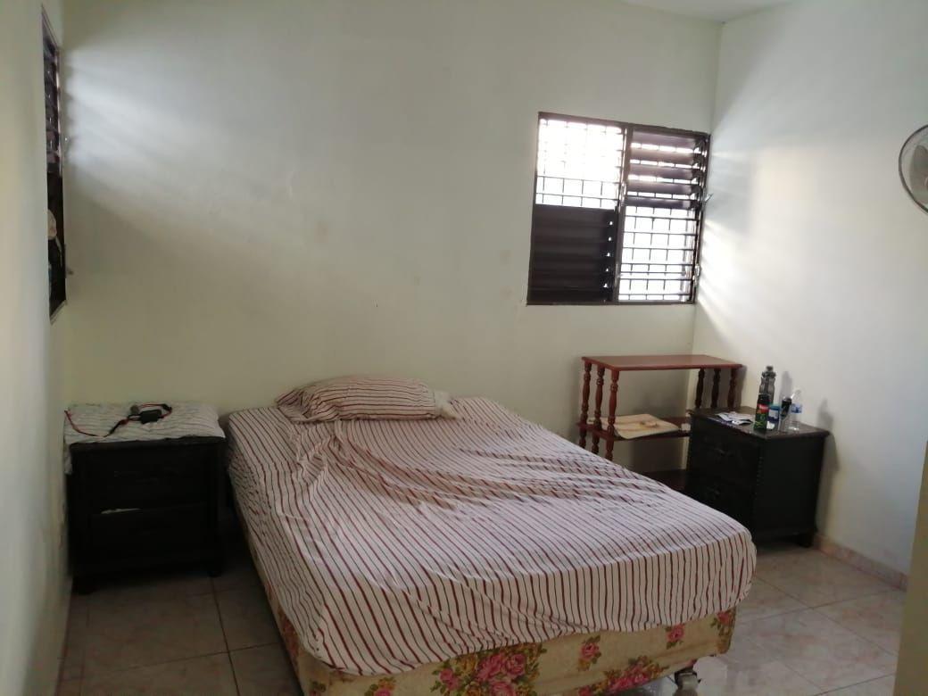 Amplia casa con Piscina en Urb. Abreuimage8
