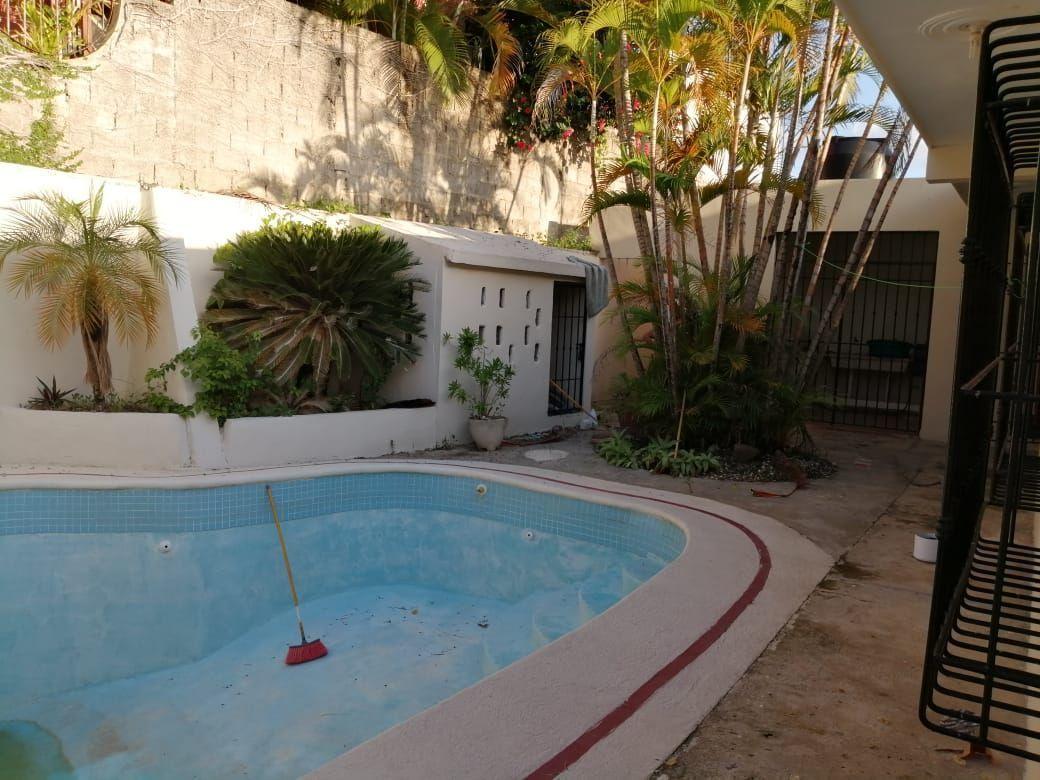 Amplia casa con Piscina en Urb. Abreuimage7