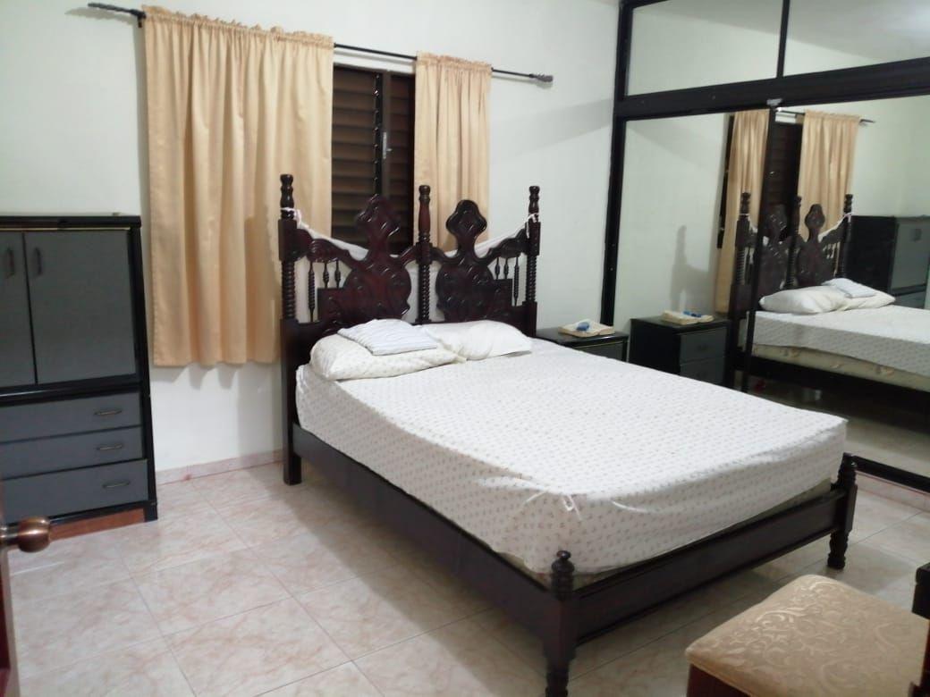 Amplia casa con Piscina en Urb. Abreuimage5