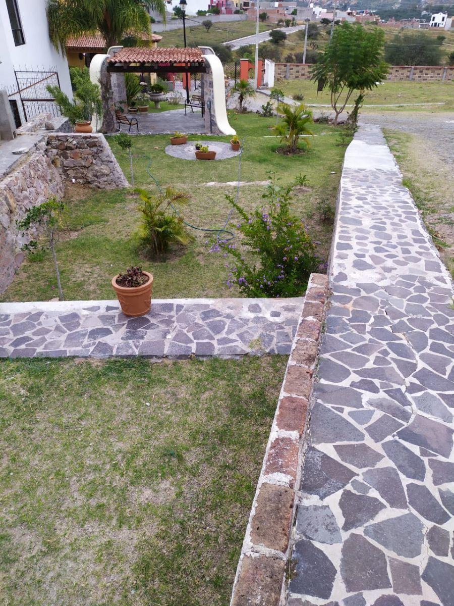 11 de 40: Jardín/ Área Común