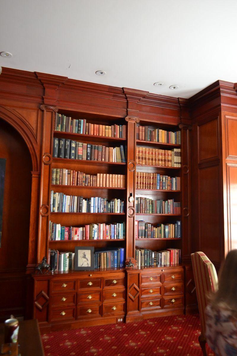 31 de 38: Biblioteca