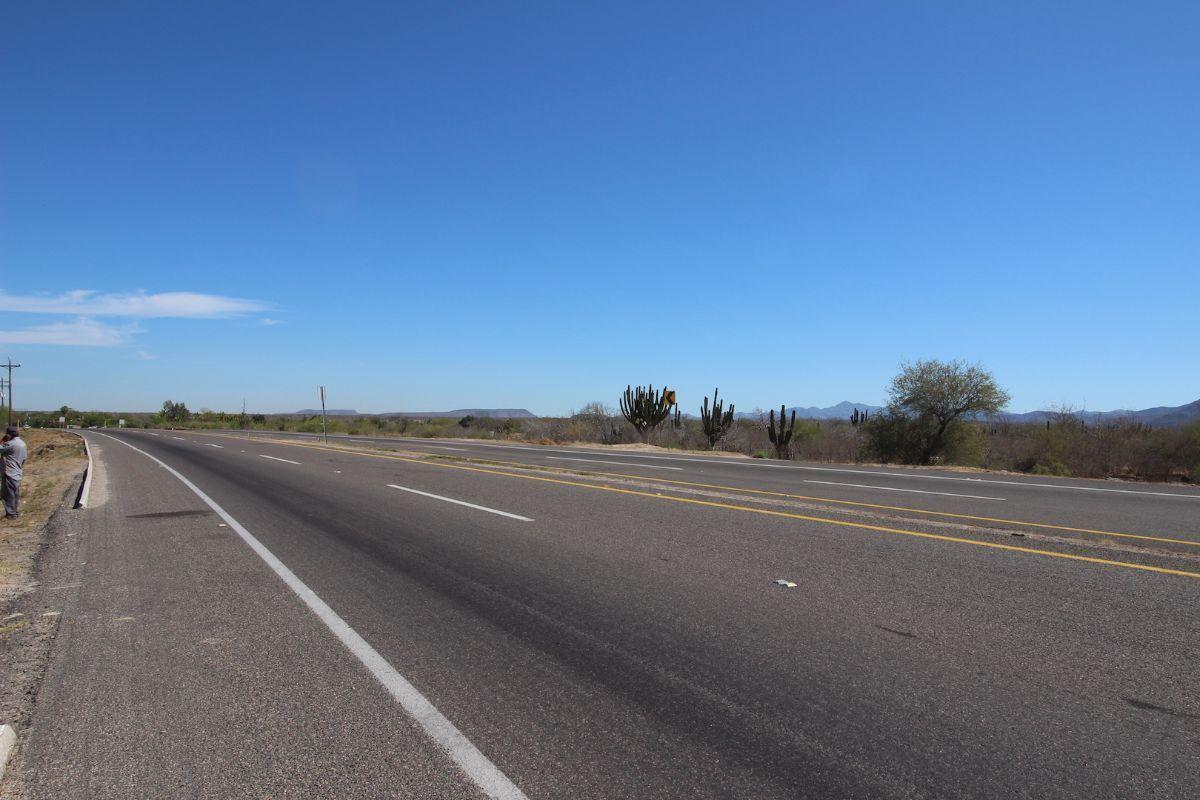3 de 21: Carretera La Paz - Todos Santos