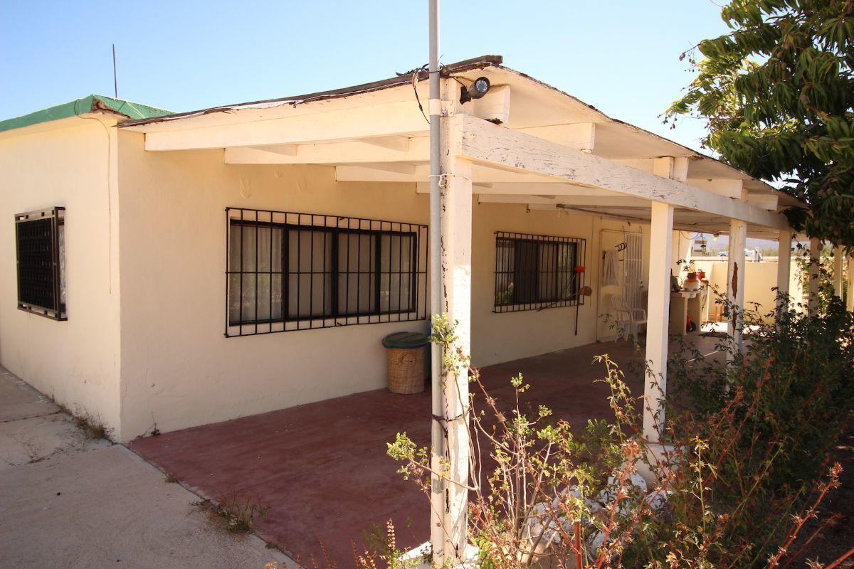 20 de 21: Vista lateral de casa, terraza techada