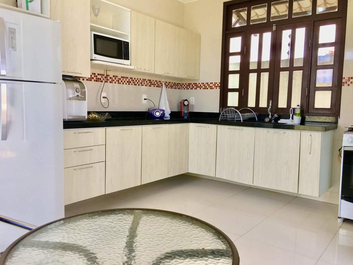 5 de 25: Cozinha com armários projetados