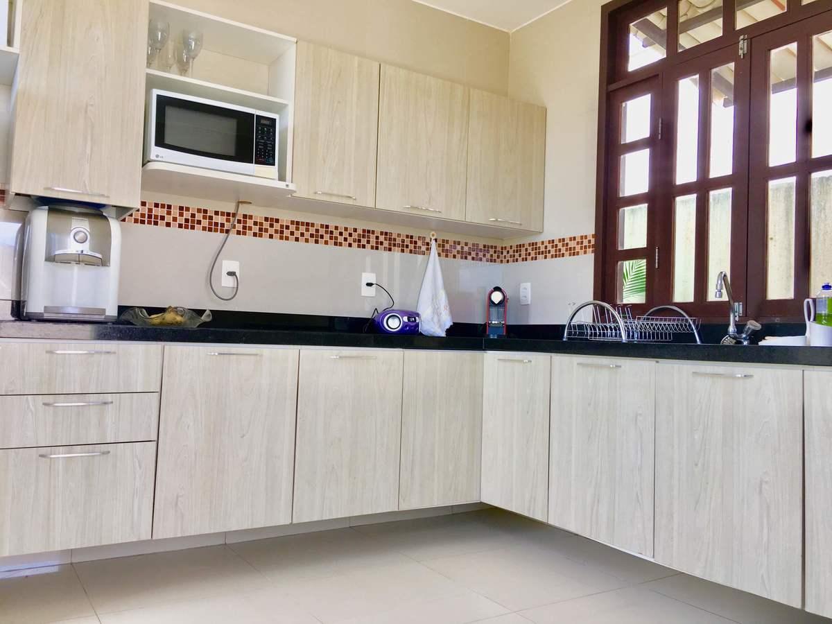 6 de 25: Cozinha com armários projetados