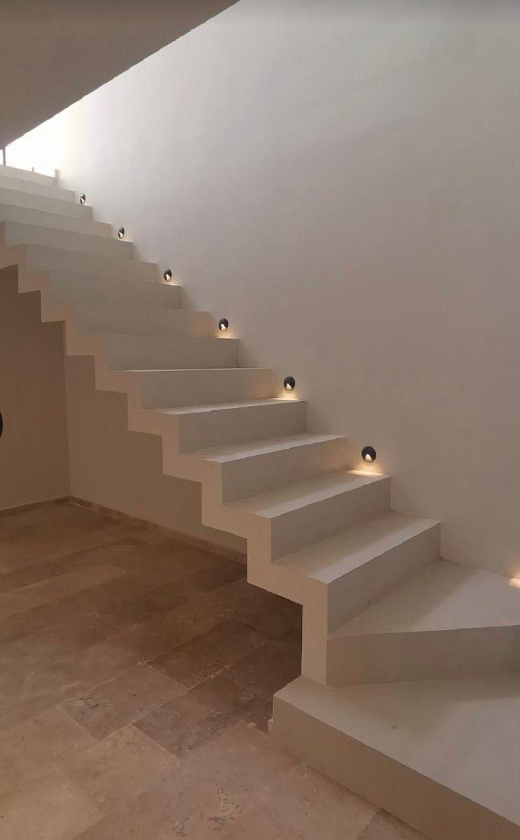 5 de 12: Escaleras