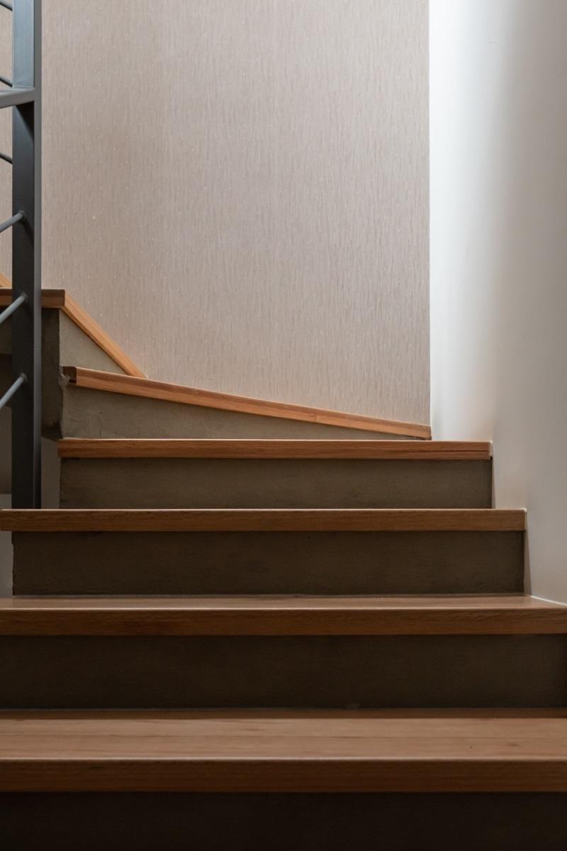 6 de 9: Escaleras de encino americano
