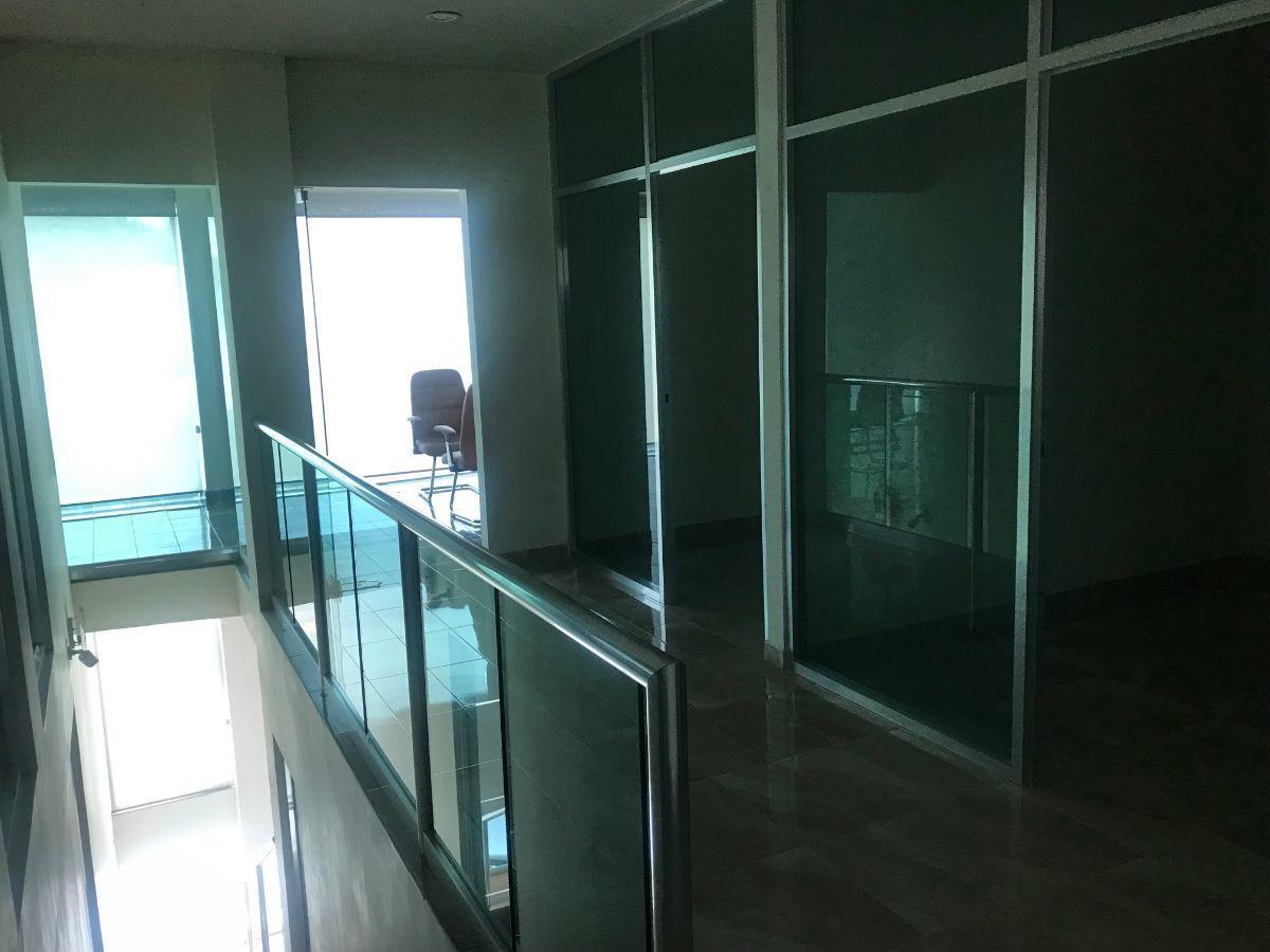 15 de 19: Privados principal y adicionales en segundo piso