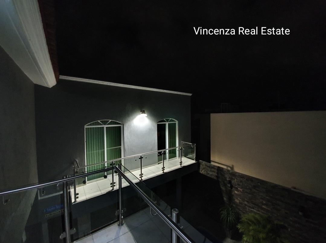 21 de 25: Balcon en Recamara principal  y balcon de recamara tipo depa