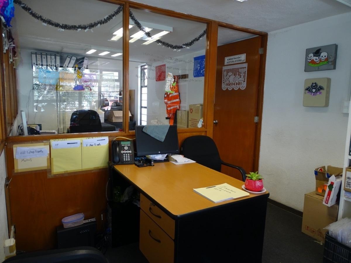 16 de 16: Oficina administrativa