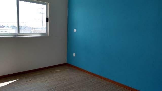 10 de 20: pisos cerámicos y pasta en paredes