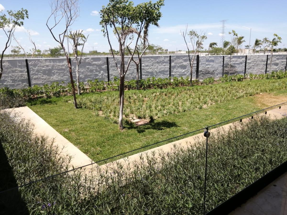 14 de 15: Jardín
