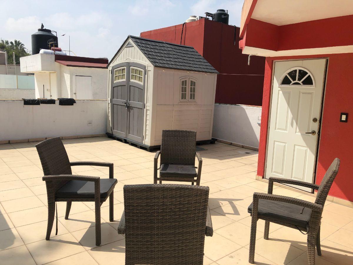 18 de 25: Roof Garden con habitación para visitas, con vestidor y baño