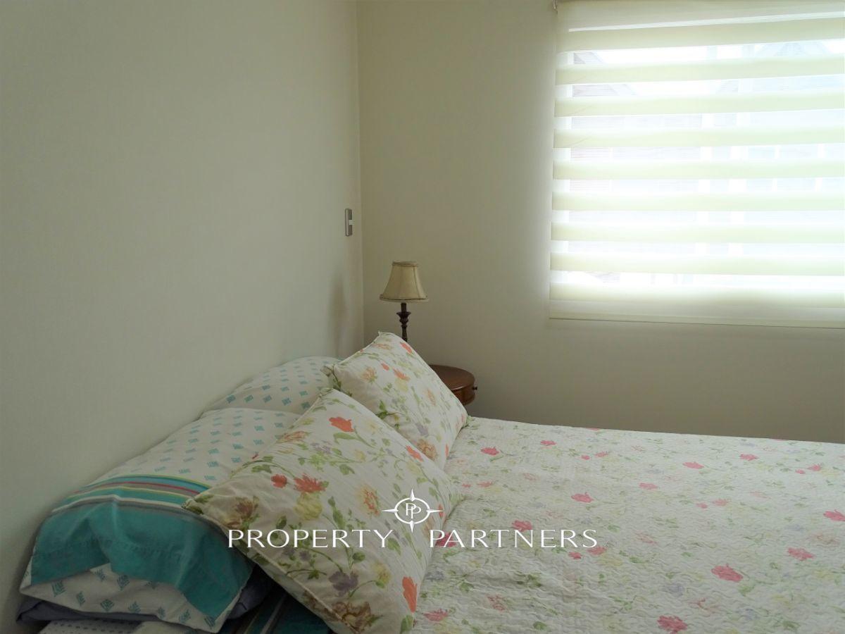 13 de 17: dormitorio principal en suite