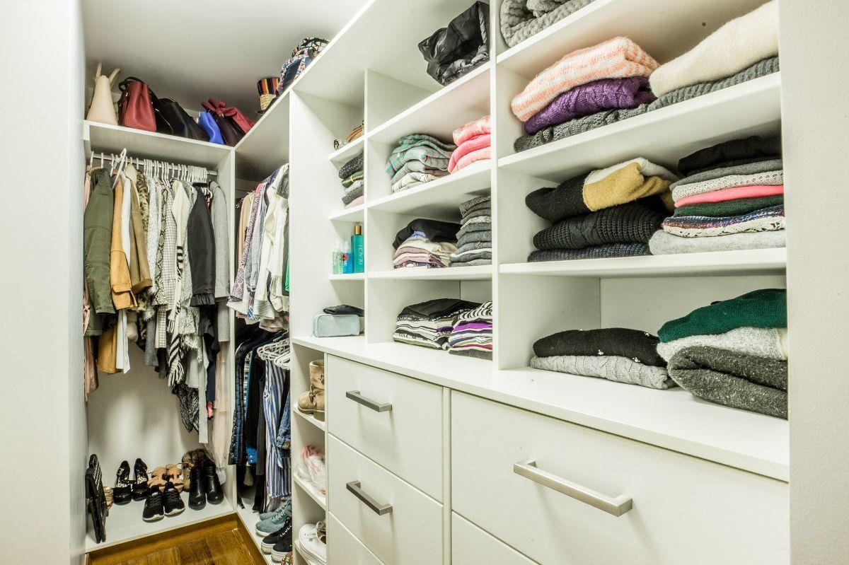 13 de 16: Walk-in closet