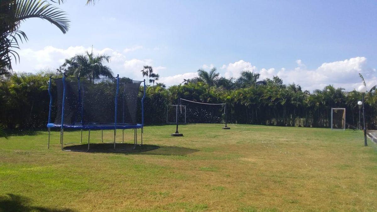 18 de 26: Campo de Fútbol