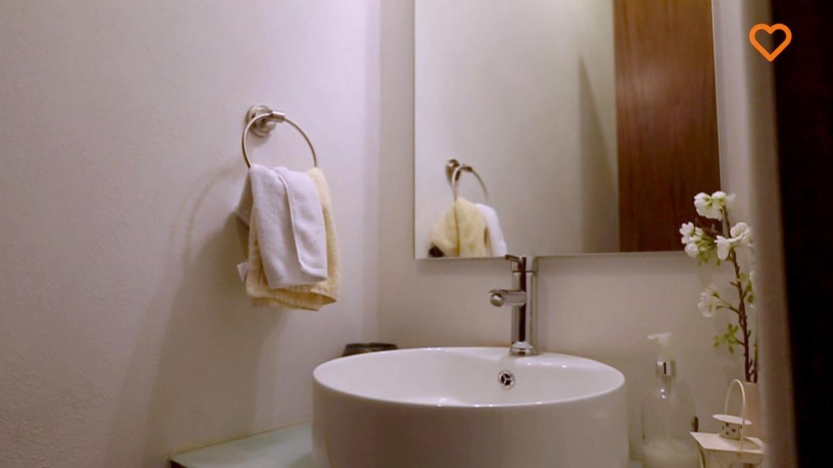 6 de 11: Baño de visitas