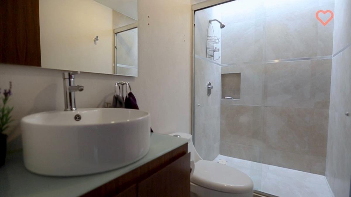 2 de 11: Baño recámara principal
