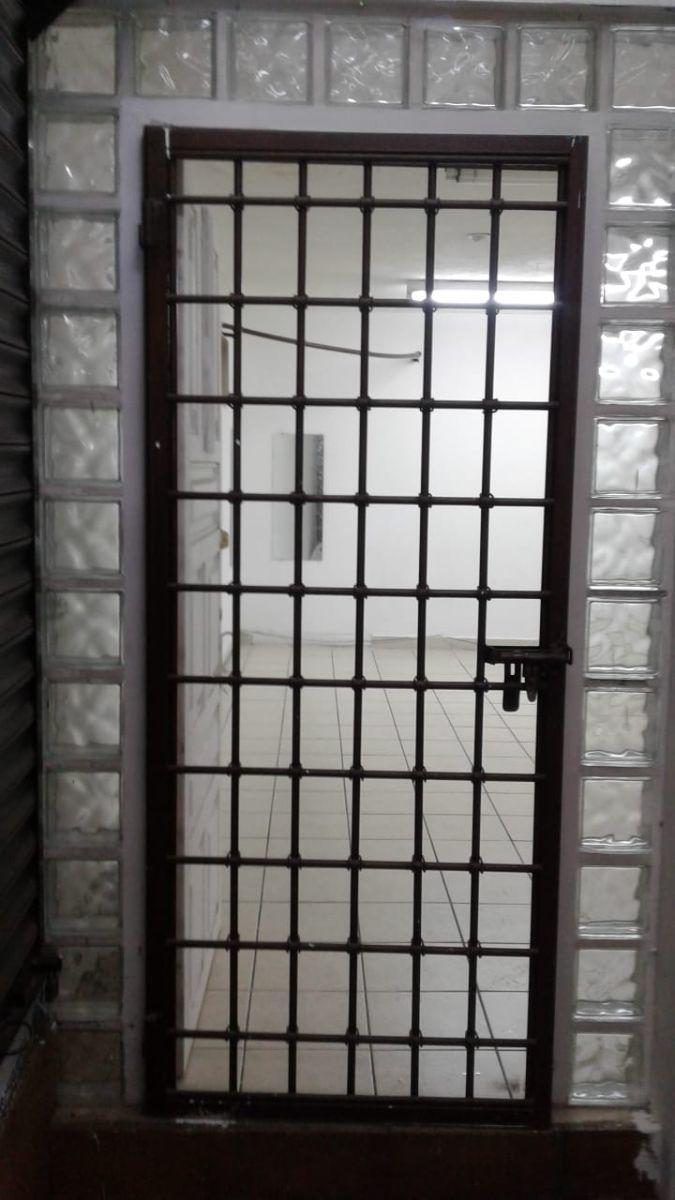 5 de 5: Puerta de entrada Principal.