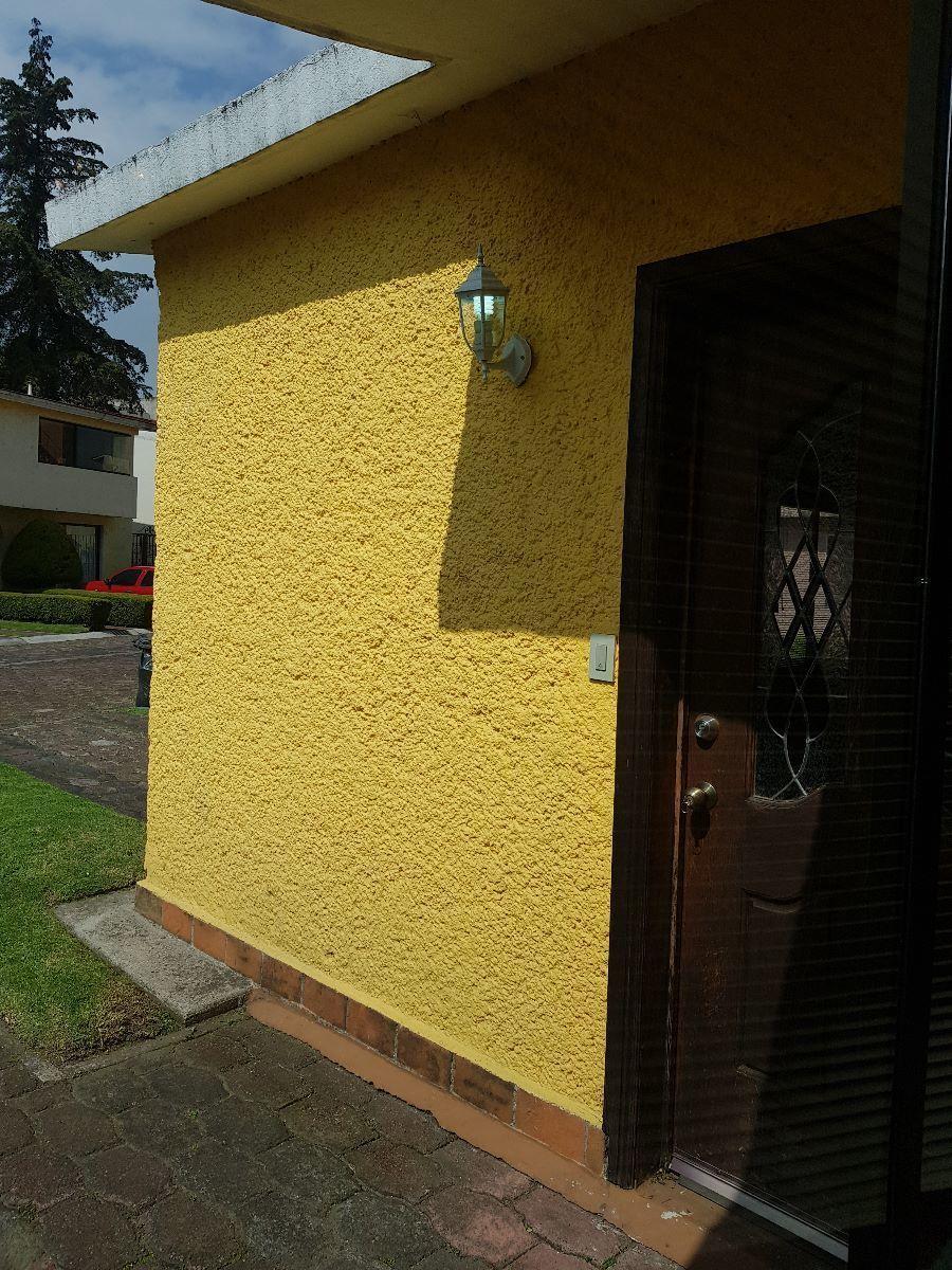 2 de 17: acceso a la casa