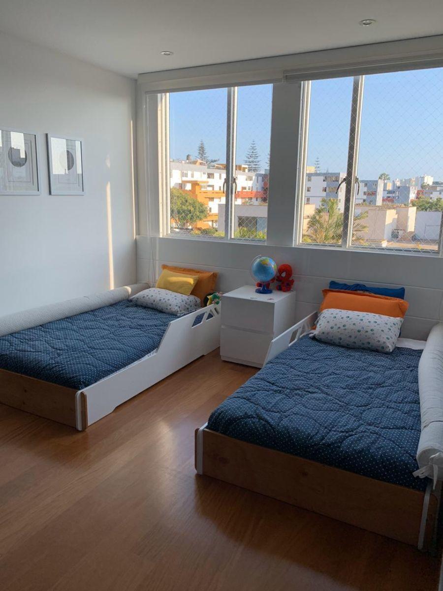 15 de 21: Dormitorio secundario con espacio para dos camas