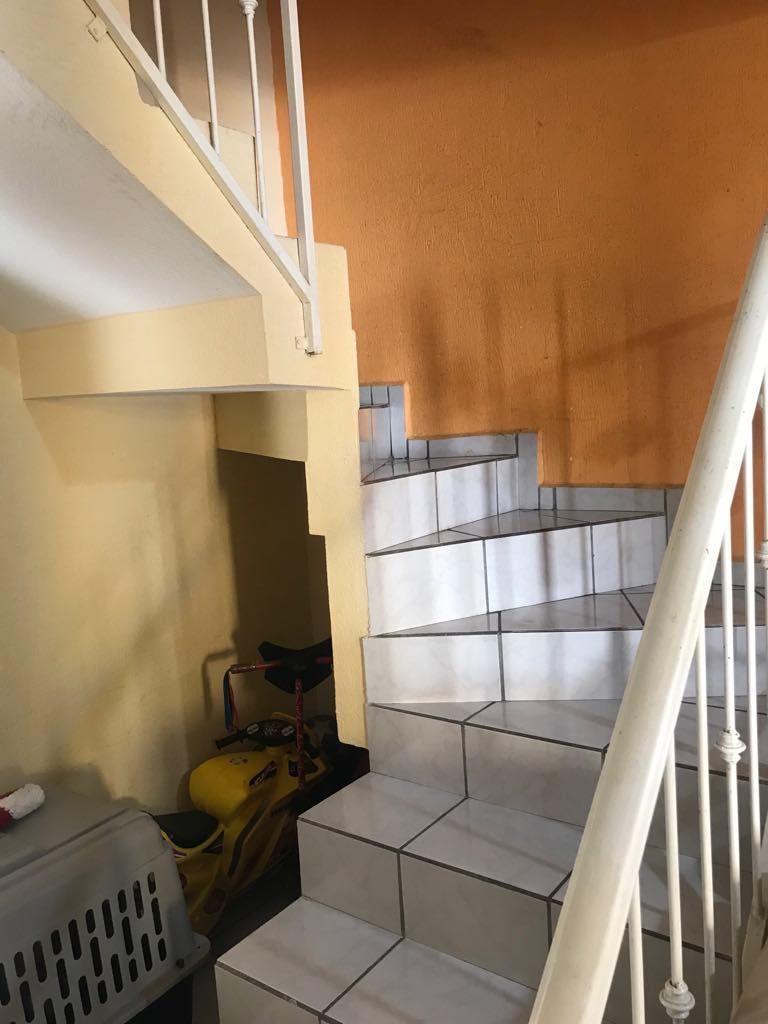 13 de 18: Escaleras