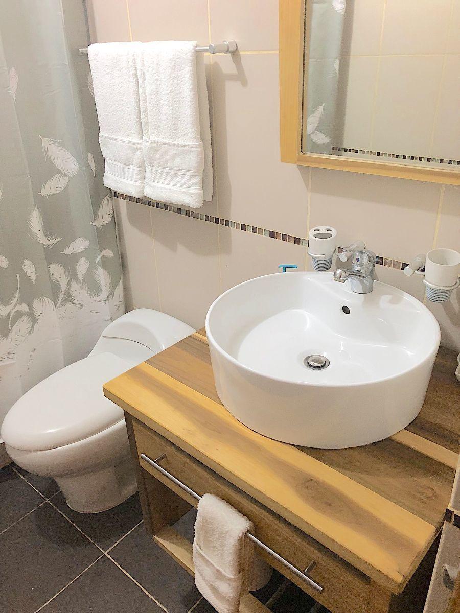 16 de 19: Baño habitación 1