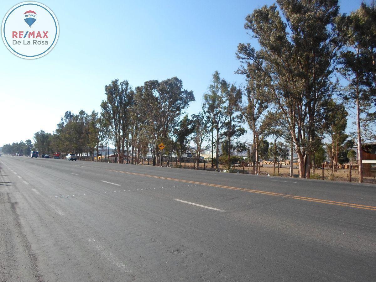 7 de 7: Vista de lo que hay frente a carretera