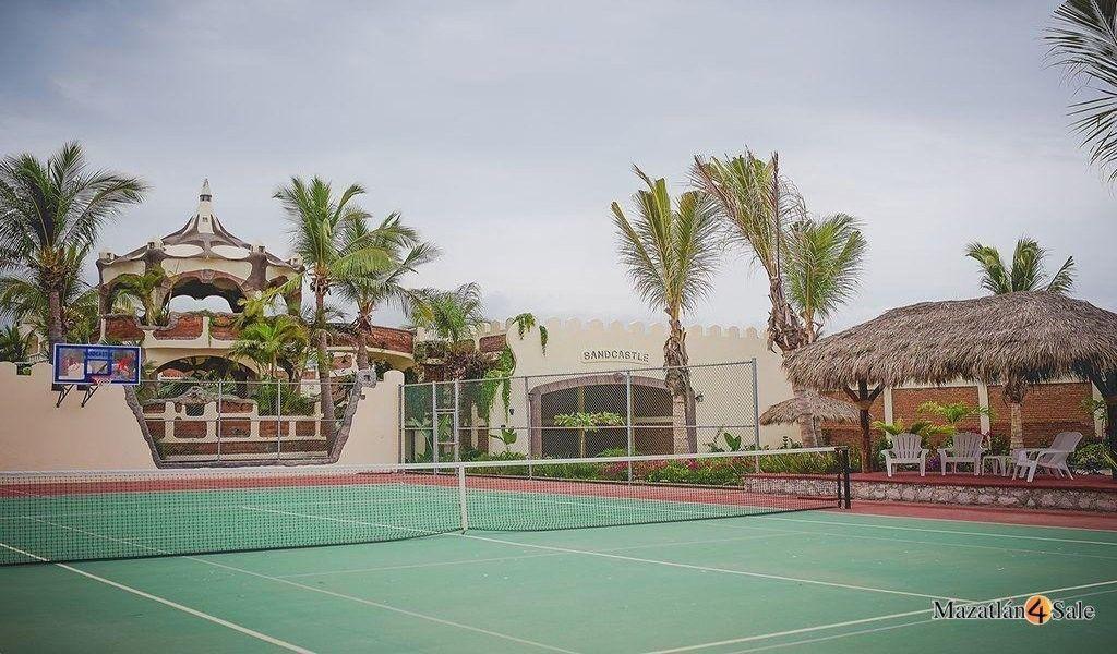 8 de 22: Cancha de Tennis