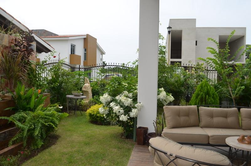 16 de 41: Jardín y terraza