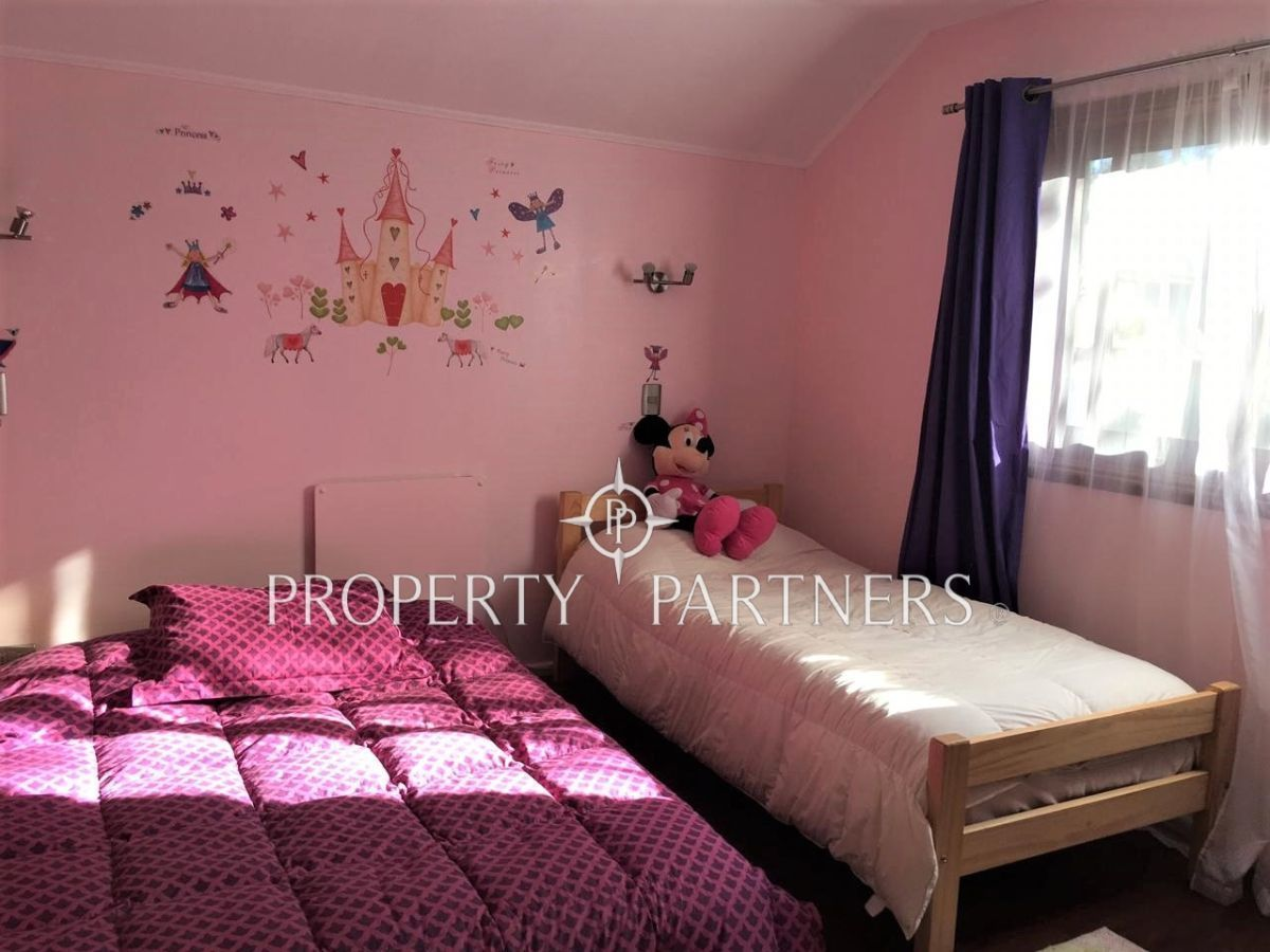 18 de 25: Dormitorio 4