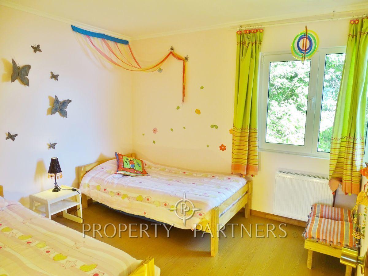 18 de 44: Dormitorio