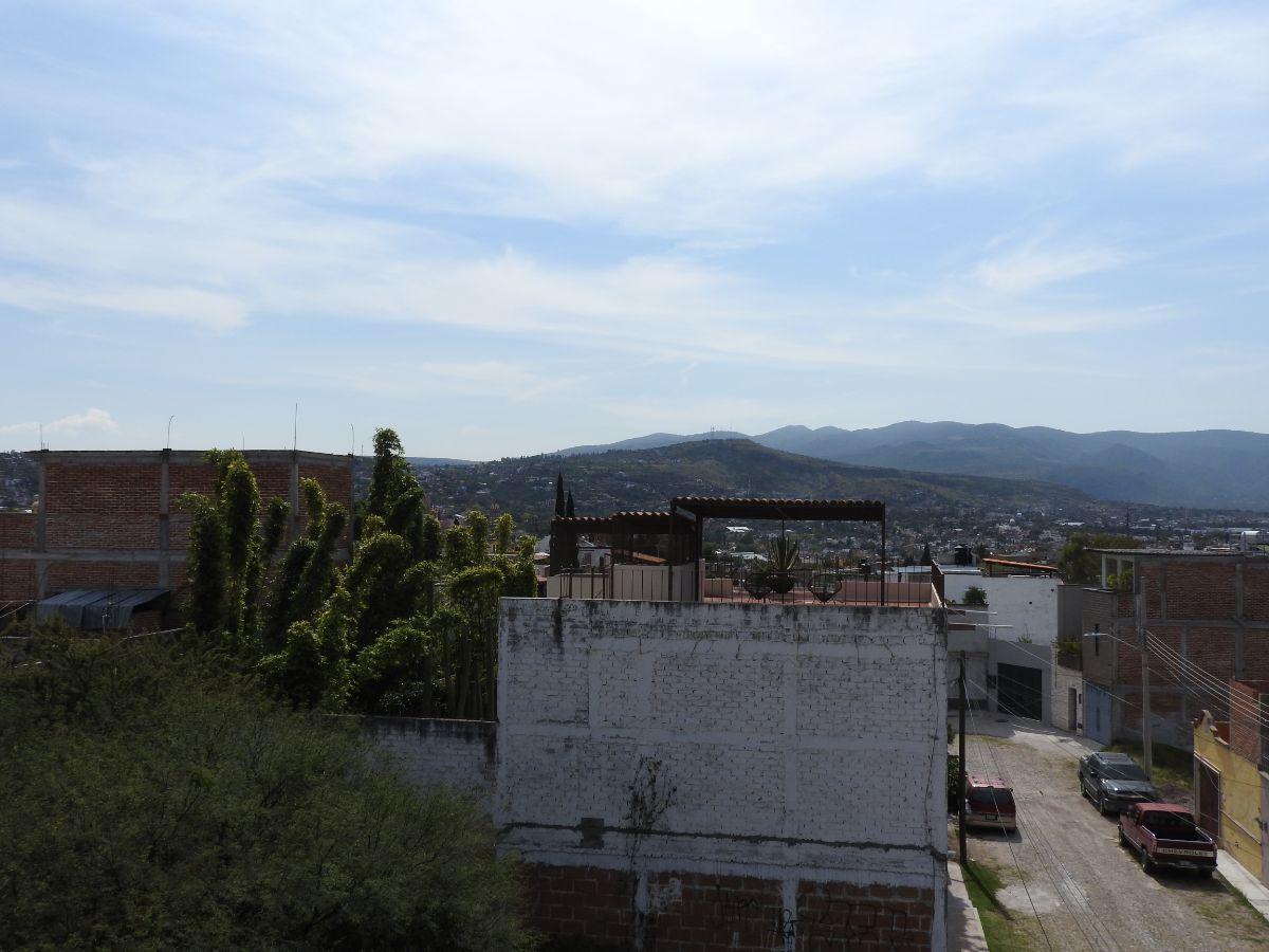 14 of 18: Vista desde la terraza